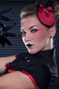 Dark Pin-up - Rouge